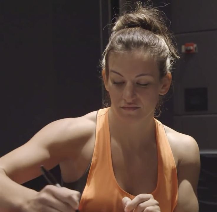 Miesha Tate UFC Beauty signing posters in Chicago