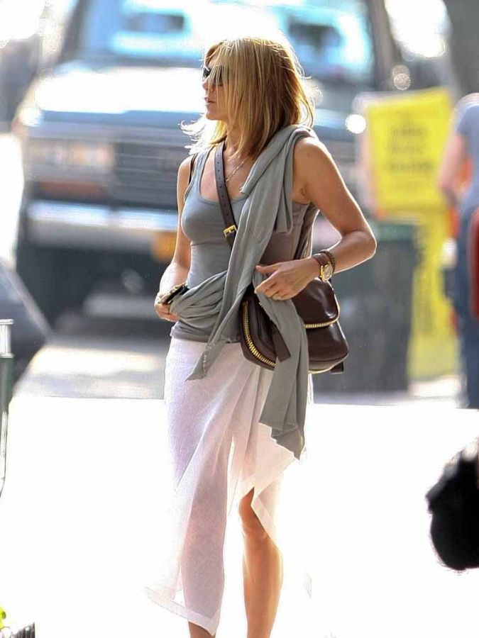 0627 Jennifer Aniston Tattoo 02 – The Superficial Because Youre