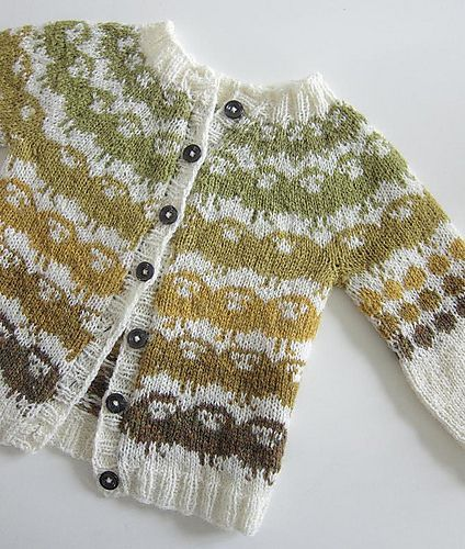 Ravelry: Barnejakka Villsauene på Runde pattern by The Needle Lady. Baby schmaby, I want a lamby cardi