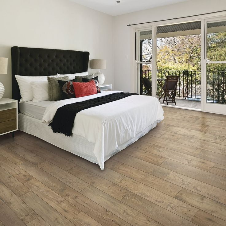 Mohawk Dakota 7.48-in W x 4.52-ft L Fawn Chestnut Embossed Laminate Wood Planks | Lowe's Canada