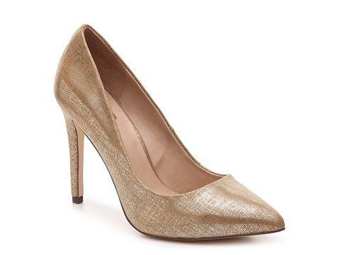 Pantofi stiletto aurii eleganti cu varf ascutit