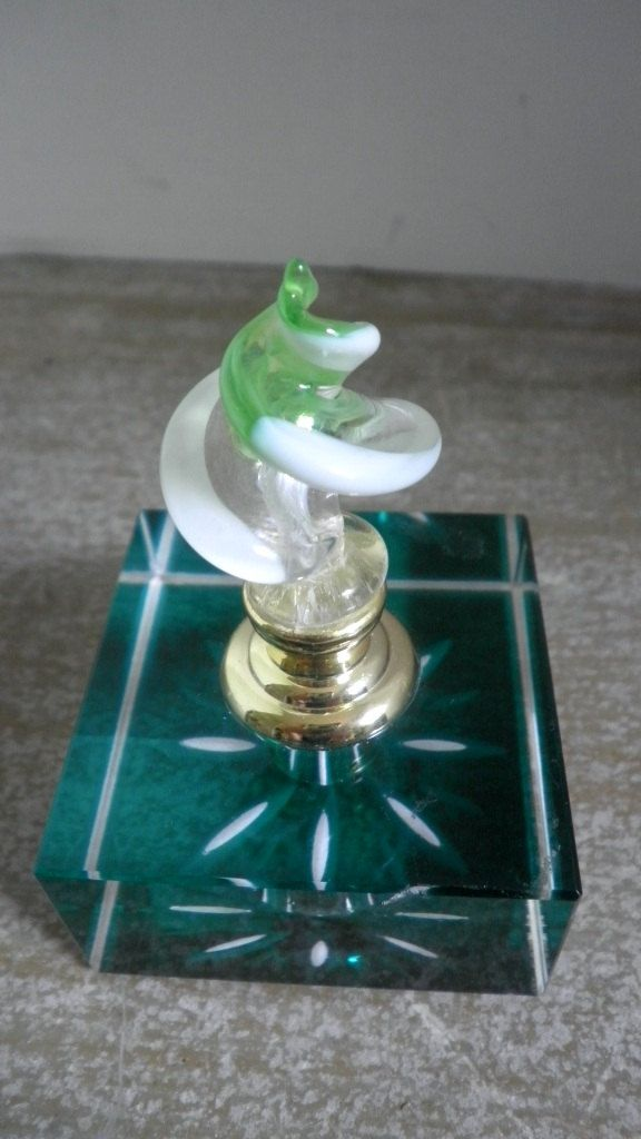 Art Deco Green Glass Perfume Bottle With Twirl Top.