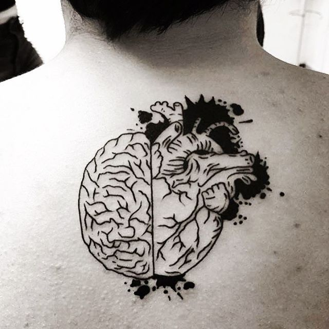 Tatuaje Cerebro Y Corazon Un Mismo Organo Tatuaje Cerebro Tatuajes Anatomicos Monos Tattoo