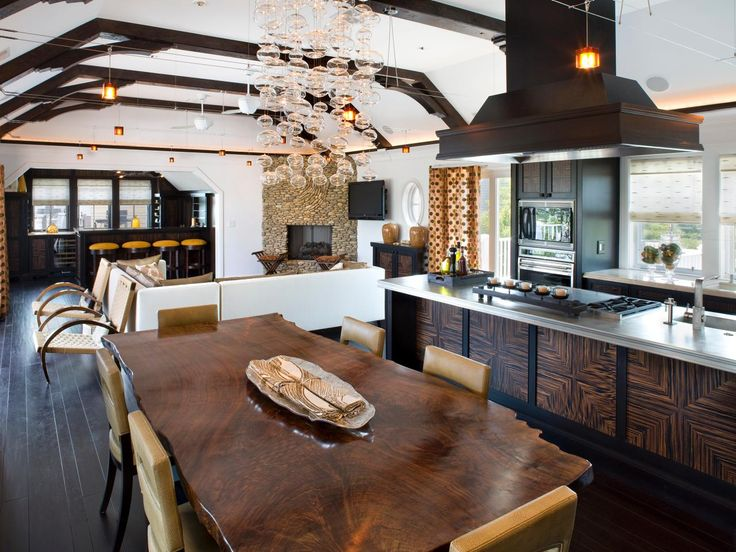 Coastal Kitchen and Dining Room Pictures | Kitchen Ideas & Design with Cabinets, Islands, Backsplashes | HGTV