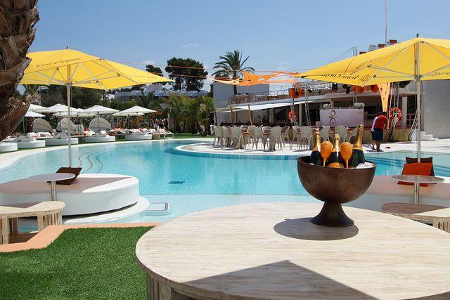 Ocean Beach Club, Ibiza #beach #bubbles #beachandbubbles @beachandbubbles  www.beachandbubbles.com