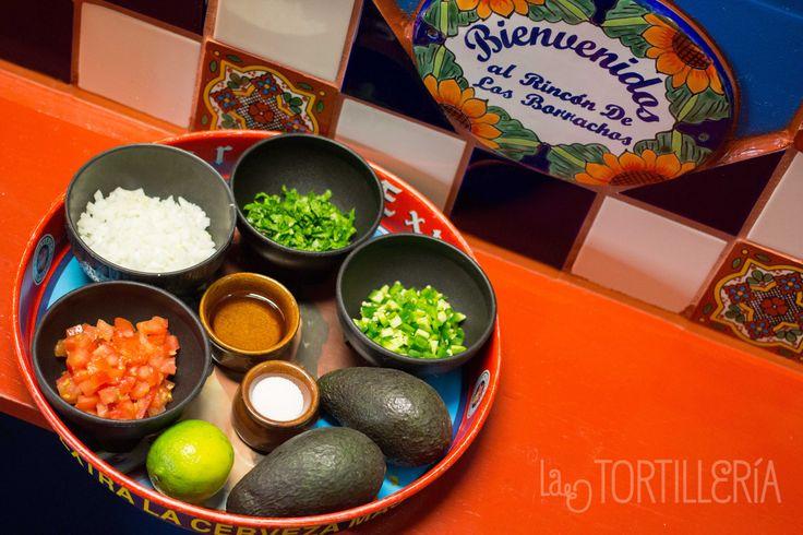 Ingredients: Onion (1/2), Coriander (1/4 Brunch), Tomato (2), Jalapeño (2), Avocado (1), Lime (1/2), Oil (1 Teaspoon) & Salt.