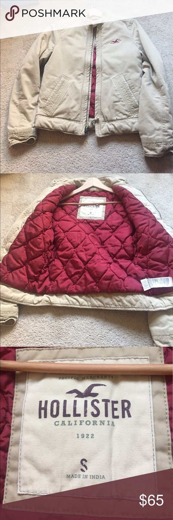 🌟Quilted Hollister jacket🌟 Cool field/military style jacket that is quilted and filled. Nice and cool jacket. Pre-owned. Bundle to save more ❤️ Hollister Jackets & Coats Military & Field
