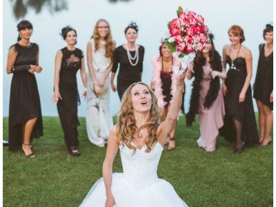Alternative: Teilstrauß Mit mehreren Personen deinen Brautstrauß teilen