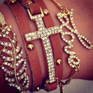 Have always wanted bracelets like these, so cute!