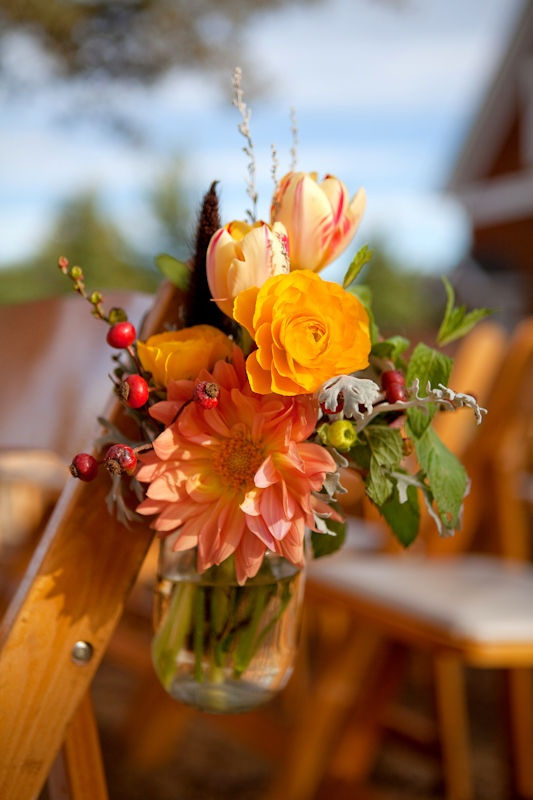 ceremony flowersWedding Ceremonies, Autumn Bouquets, Ceremonies Flower, Floral Design, Wedding Flowers, Wedding Ceremony Flowers, Aisle Markers, Mason Jars, Autumn Church Flower