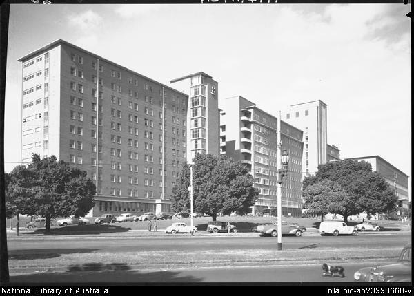 Hurley, Frank, 1885-1962. [Royal Melbourne Hospital, Victoria, cars, ca. 1950] [picture] : [Melbourne, Victoria]