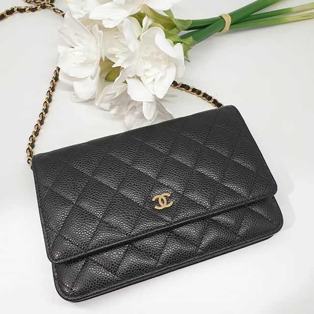 Fire Sale 1x00 Wire Preloved Excellent Condition Chanel Classic Wallet On Chain Mini Flap Bag Black Caviar Gold Hardware Measu Chanel Classic Flap Bag Chanel