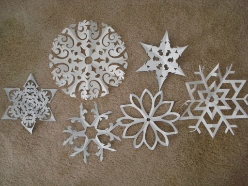 Jen Lowe Designs: Let it Snow! (6 point snowflake tutorial) - spray paint them with silver glitter and voila! Frozen party hanging decorations