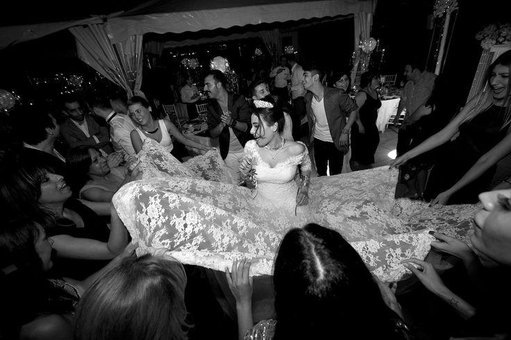#Portaxe #Gelin #Boğaz #Gelinlik #Bride #Deniz #Sea #duvak #gelinsaç #gelinlikmodelleri #model #tekne #güzel #gelinsaçı #bridal #düğün #wedding