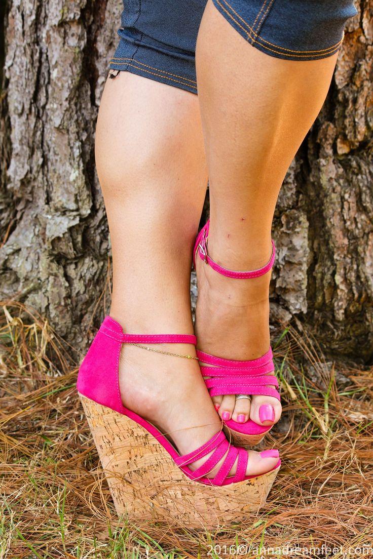 ♡ Legs, Heels ♡ #sandalsheelswedge #hothighheels