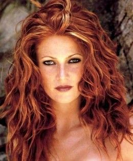 Pictures of Celebrities with Red Hair and Blonde Highlights.