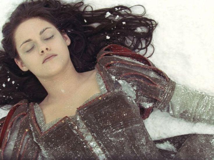 """5 bonnes raisons de regarder """"Blanche-Neige et le Chasseur"""""""