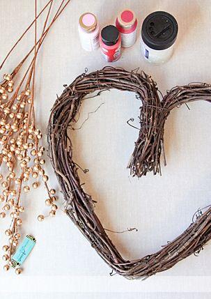 Simple Heart Wreath. DIY