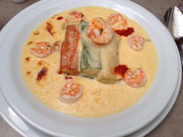 Canellonni relleno de pasta de alcachofa y crema de centolla, en Le Due Torri, me encantaaa!!