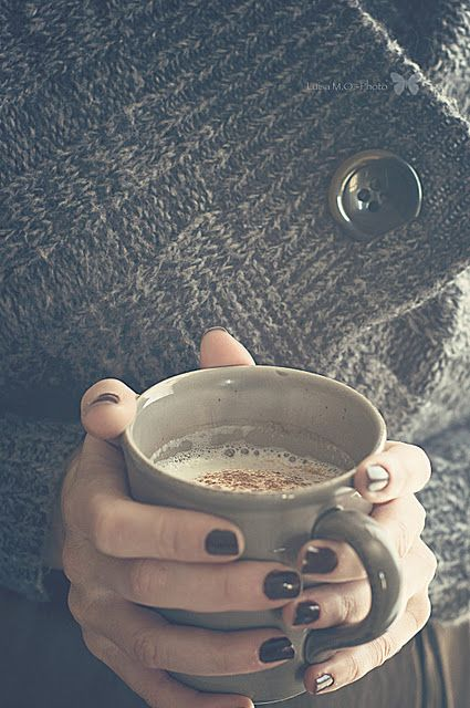 ...: Dark Nails, Winter Is Coming, Cold Day, Hot Drinks, Cups Of Coff, Black Nails, Nails Polish, Cozy Sweaters, Autumn Nails Coff