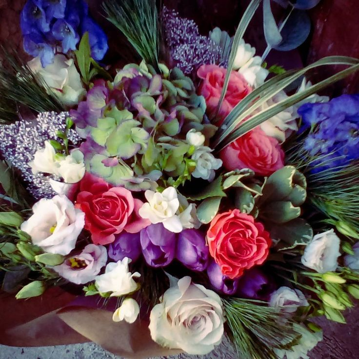 """2 aprecieri, 1 comentarii - Floraria Dorothy's (@florariadorothys) pe Instagram: """"Colors.. #anniversary #bouquet #cluj #clujlife #clujnapoca #clujcenter #lifeincluj #viataincluj…"""""""