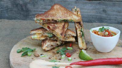 Recept: Mexicaanse croque met tequila/tomaat chutney en zoete chili mayo