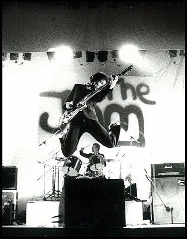 Bruce Foxton ( The Jam, Stiff Little Fingers, The Casbah Club, solo career ) bass player