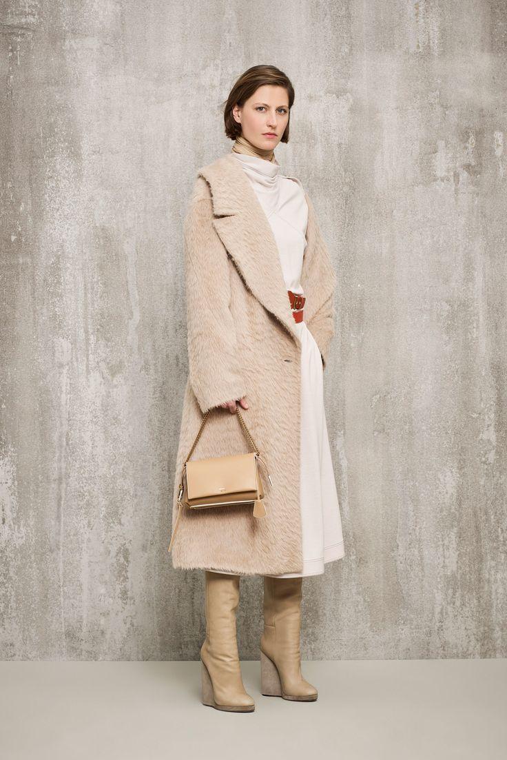 Agnona Pre-Fall 2018 Collection Photos - Vogue