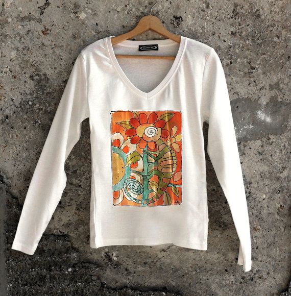 Chameleon t shirt paint by hand. Long sleeve by AHouseAtelier