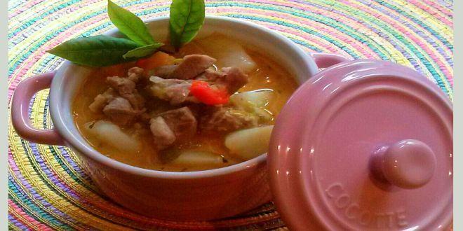 Estofado de Cordero Magallánico, una deliciosa receta tradicional de la región mas austral de nuestro país. Estos son los ingredientes y el modo de preparación paso a paso.