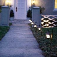 Put Landscape Lighting on Your Front Walkway