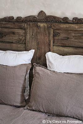 T te de lit r alis e avec de vieux volets caissons d tourn s home is what - Tete de lit avec vieux volets ...