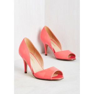 Those romantic reveries under the shade of your Magnolia tree are brought  to life by donning these coral pink heels.