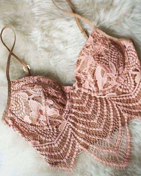 Nada como uma lingerie rendada para a gente se sentir sexy, não é mesmo?