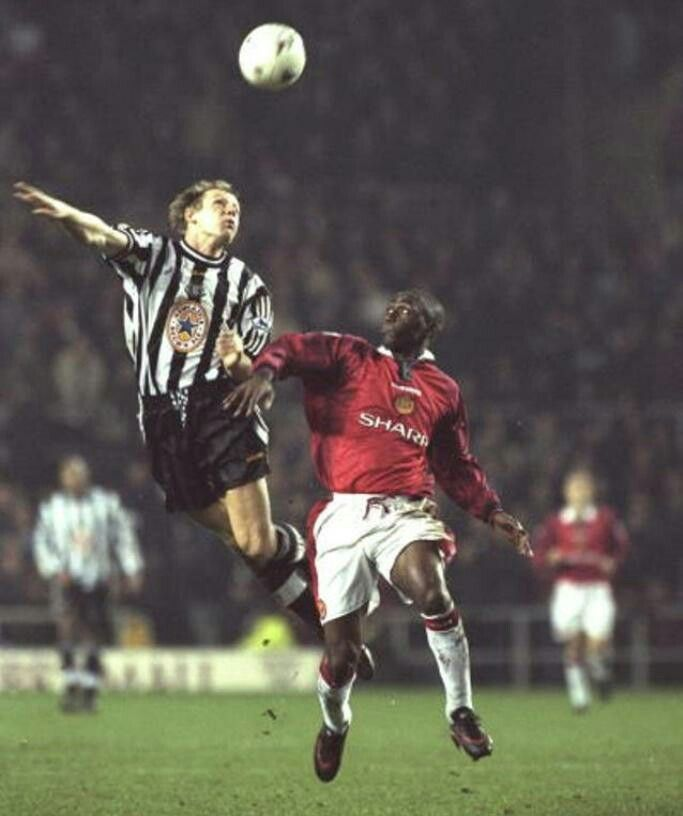 Newcastle Utd 0 Man Utd 1 in Dec 1997 at St James Park. Stuart Pearce and Andy Cole in action #Prem