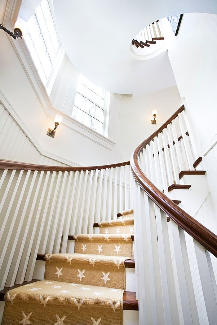 The Great Carpet Debate: How to Dress Up Your Staircase
