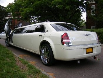 ABC Limousine provides the best quality and affordable limousine service in Dulles International Airport. If you are planning to book a Limousine Service near Dulles International Airport, contact us now and we will provide you the best service in town.