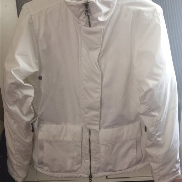 Nike Winter Coat Great Warm Coat! No flaws! NWOT only worn twice and just dry cleaned! Nike Jackets & Coats Puffers