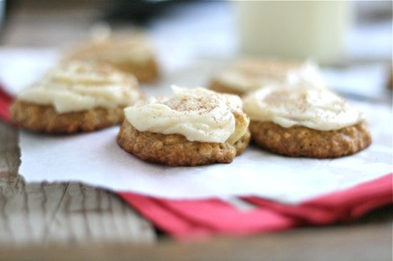 Apple Oatmeal Cookies with Brown Butter Frosting: Oatmeal Cookies, Frostings Sources, Desserts, Apple Oatmeal, Frostings Recipes, Brown Sugar Frosting, Frosting Recipes, Apples Oatmeal, Brown Butter Frostings