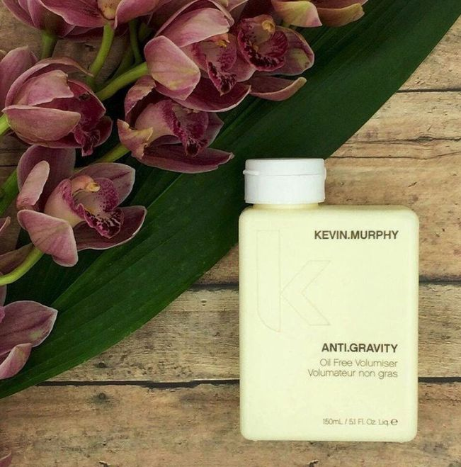 ANTI.GRAVITY is an oil free volumiser + texturiser to create bigger, thicker hair instantly