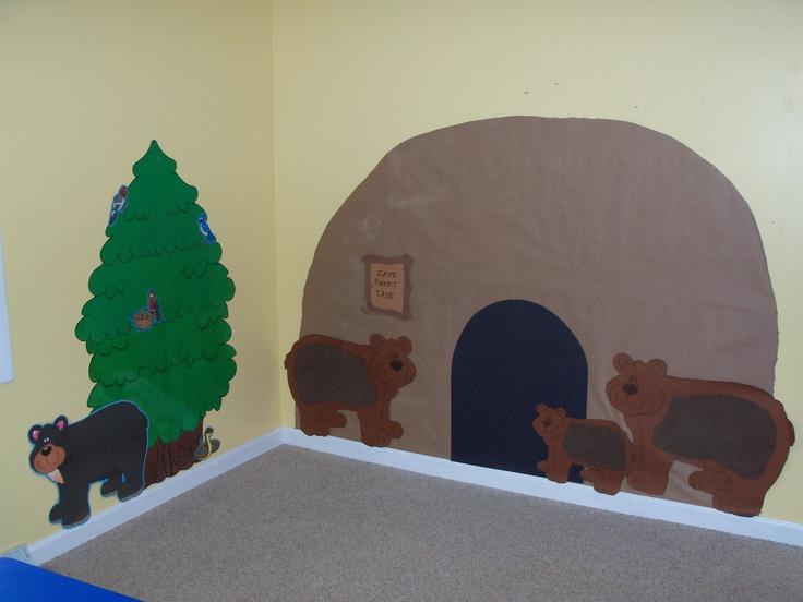 Bear cave for a bear theme