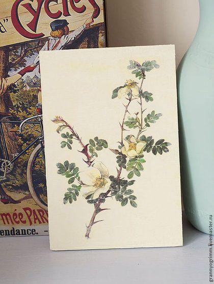 Панно шебби шик с дикой розой.  Shabby chic panel with wild rose.