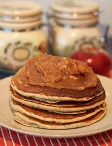 Pancakes razowe z musem jabłkowym   Zdrowe Przepisy Pauliny Styś