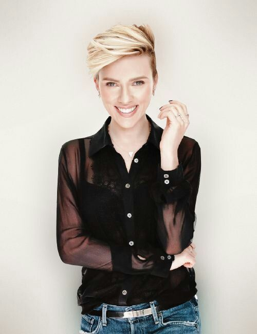 Scarlett johansson with short hair.
