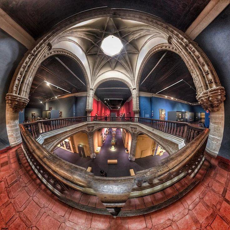 Museo de Santa Cruz con la exposición de Cervantes