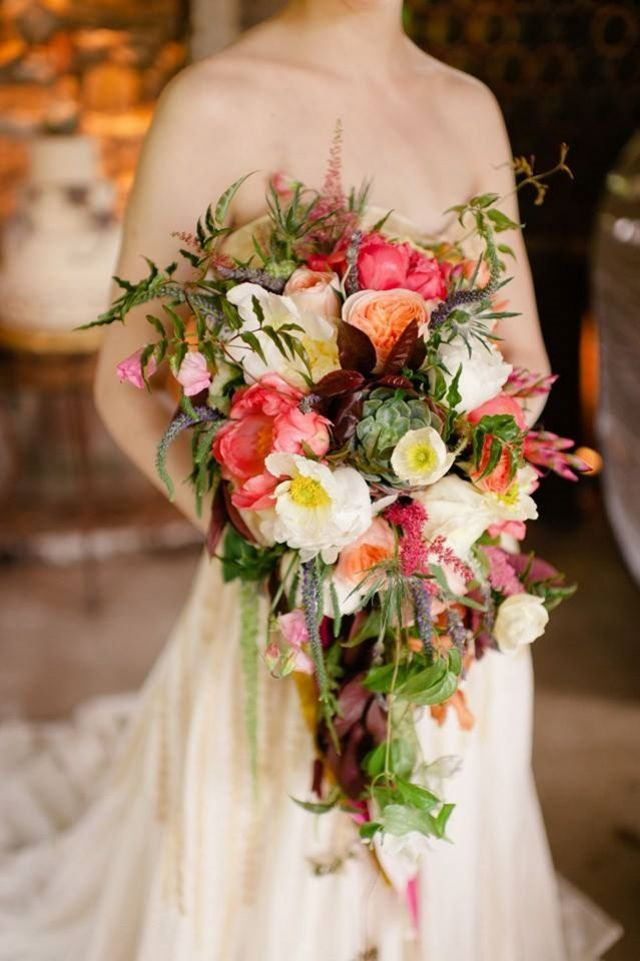 17 best images about cascade crescent bouquets on for Crescent bouquet
