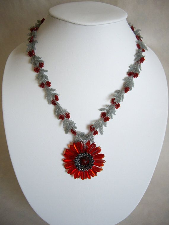 Daisy necklace Red daisy necklace Seed bead by MisakoBeads on Etsy