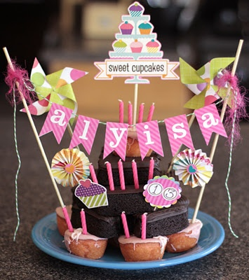 This is just SO cute~ Hostess cupcakes and Zingers...baby shower?  Birthdays?