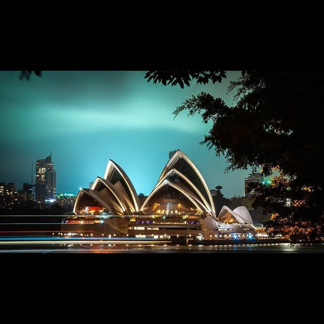 """""""Those who dream by day are cognizant of many things which escape those who dream only by night""""  Edgar Allan Poe  #sydneynightsquad5 @globalnightsquad  @sonyaustralia"""