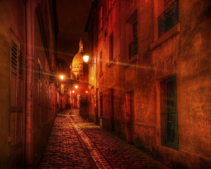 The back alleys after dark... - photo from #treyratcliff at http://www.StuckInCustoms.com - all images Creative Commons Noncommercial